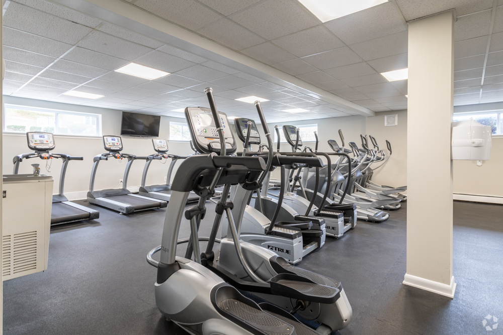 Fitness center with dozens of cardio machines in Delaware County, PA apartments